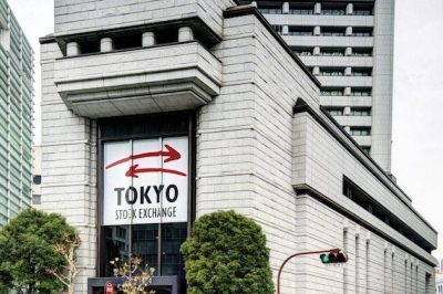 Yogi Adityanath offers prayers at the Gorakhnath Temple